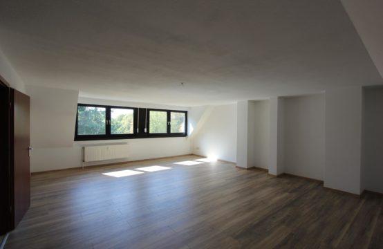 VERMIETET ! Weitläufige & attraktiv ausgestattete 4 – Zimmer Wohnung in bester Lage von Dinslaken – Bruch