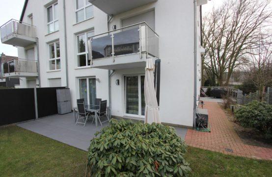 Neuwertige & repräsentativ ausgestattete 4 -Zimmer Wohnung mit Garten, Doppelgarage und EBK