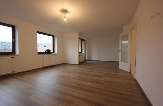 Erstbezug nach Sanierung – Großzügige 3-Raum Wohnung mit Loggia in zentraler Lage von OB-Sterkrade